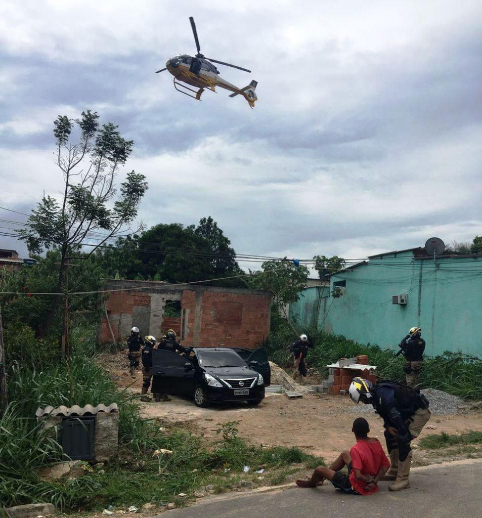 prfrioEquipe do Helicóptero Patrulha 08 auxilia na busca e prisão de assaltante que trocou tiros com equipe da PRF.