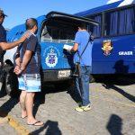 """Chefe de quadrilha na Bahia, integrante do """"Baralho do Crime"""", é preso em Alagoas e transportado em aviação do GRAER. Foto: Alberto Maraux."""