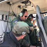 Policial militar baleado em ocorrência de roubo é resgatado de helicóptero, em Pernambuco