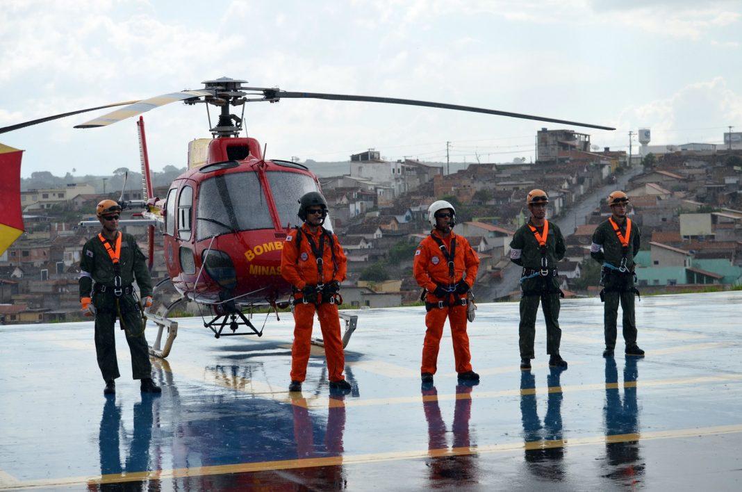 Helicóptero Arcanjo já socorreu quase 300 pessoas no Sul de Minas (Foto: Régis Melo)