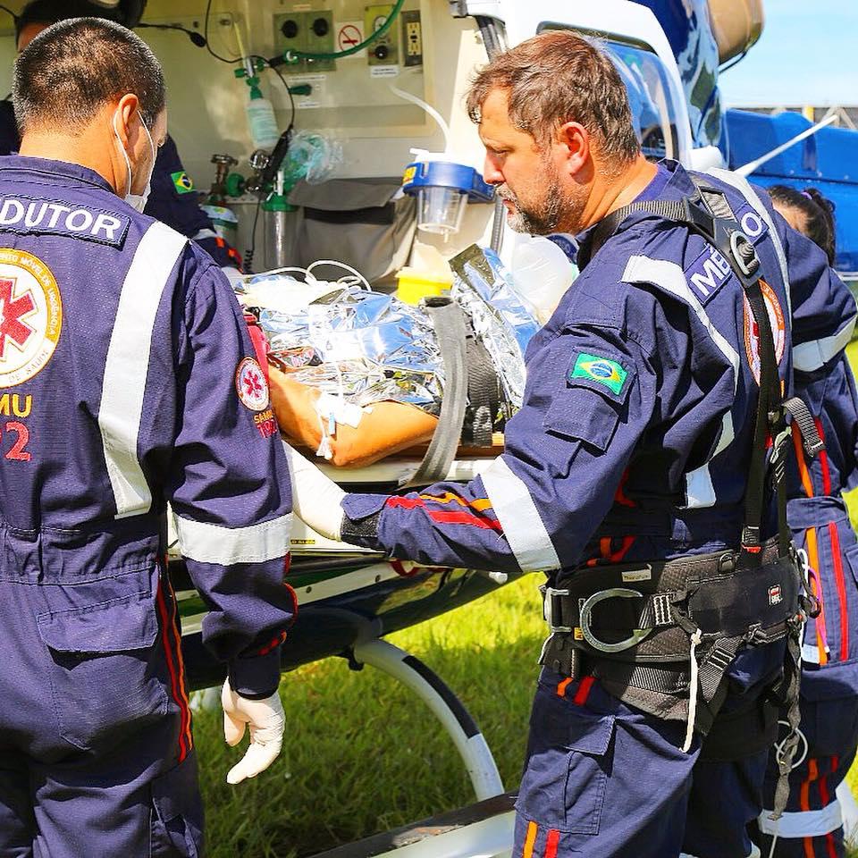 acidente de trabalho na zona rural da cidade de Astorga. 7 metros de altura. Foto: Aeromédico Samu Regional