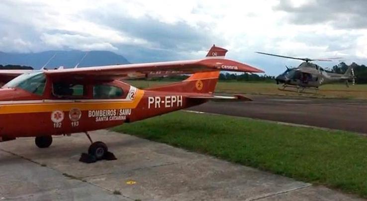Helicóptero Águia 02 da PMSC leva orgão e médico para o Arcanjo 02, aeroporto Hercilío Luz