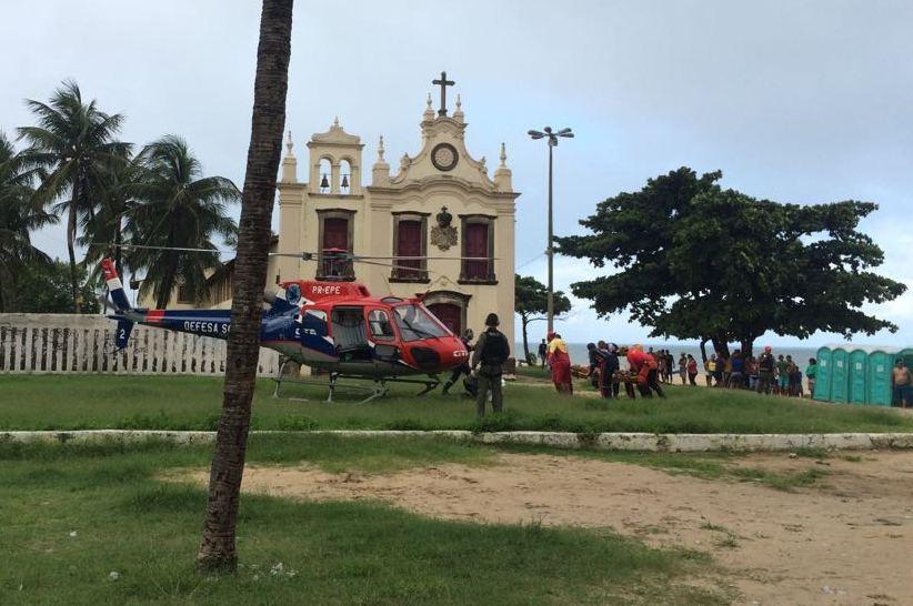 Equipe aeromédica do GTA resgata vítima de ataque de tubarão em Jaboatão dos Guararapes, PE