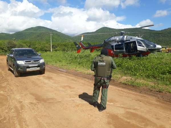 Com apoio do helicóptero da CIOPAer do Ceará, polícia recupera veículo e objetos roubados em residência