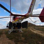 Motociclista é socorrido de helicóptero após sofrer acidente em trilha no Morro do Careca, em Rio Acima, MG
