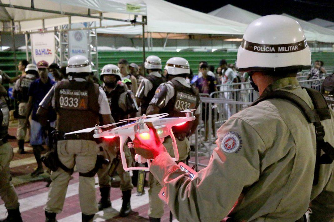 Drone sendo utilizado pela Polícia Militar da Bahia.