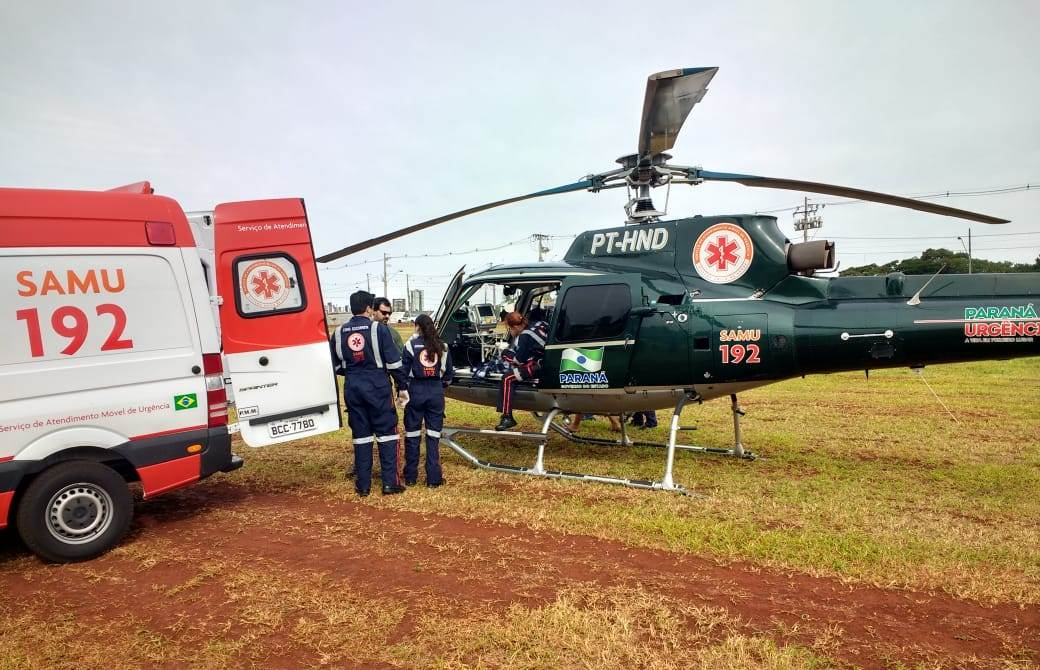 Menino picado por escorpião amarelo em Colorado é socorrido por helicóptero do SAMU.