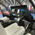 Cockpit com aviônicos e eletrônicos Garmin-3000H, com capacidade para IFR, com acesso a cartas de helicópteros VFR / IFR, incluindo capacidade de aproximação WAAS / SBAS, ILS, tecnologia de visão sintética e integração sem fio com tablet e/ou celulares.