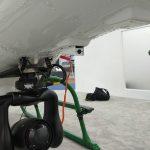 Sistema de cameras e de gravação de imagem, com camera grande angula e holofote no suporte do guincho elétrico, camera no cone de cauda e no cockpit.