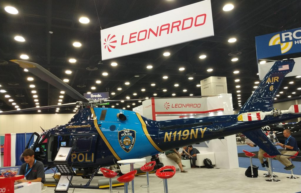 A Leonardo levou para seu estande como destaque o novo AW119 do Departamento de Polícia de Proteção Ambiental de Nova York.