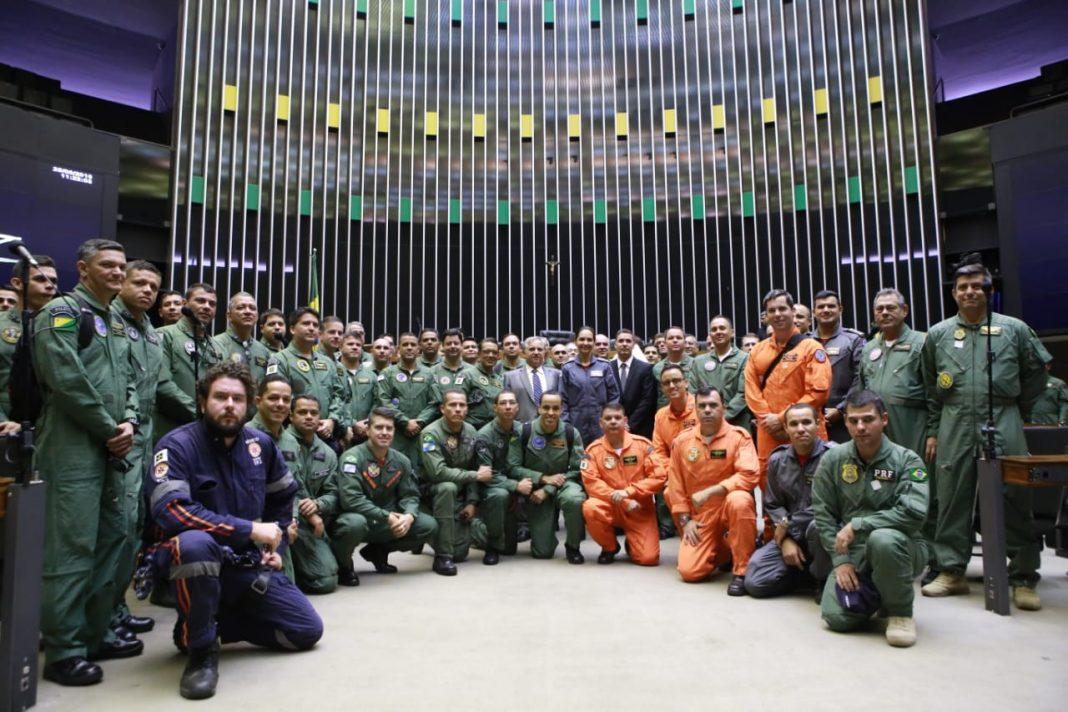 Câmara do Deputados realiza sessão solene em homenagem ao Dia Nacional da Aviação de Segurança Pública