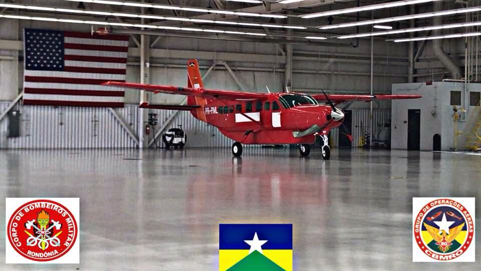 Grand Caravan EX do Corpo de Bombeiros nos EUA para ser trasladado ao Brasil.