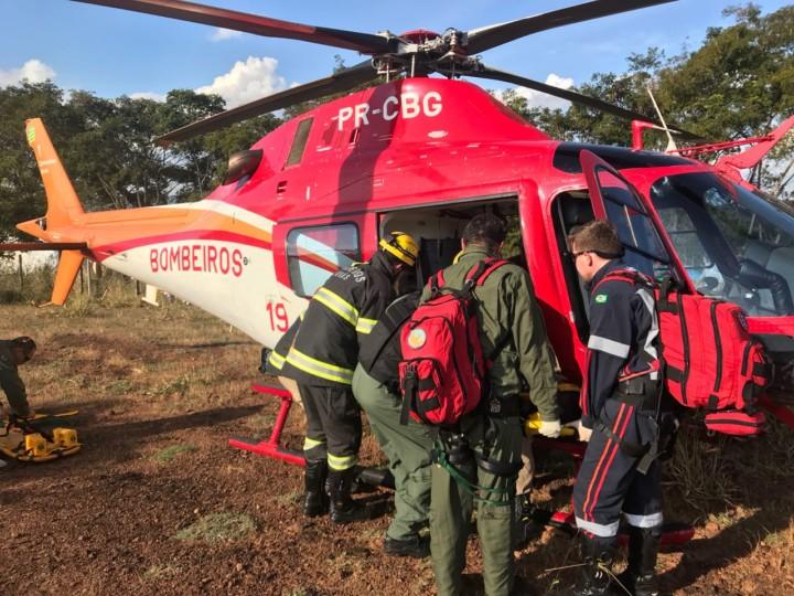 Helicóptero e bombeiros de Pires do Rio atuam em grave acidente entre caminhão e moto na GO-139