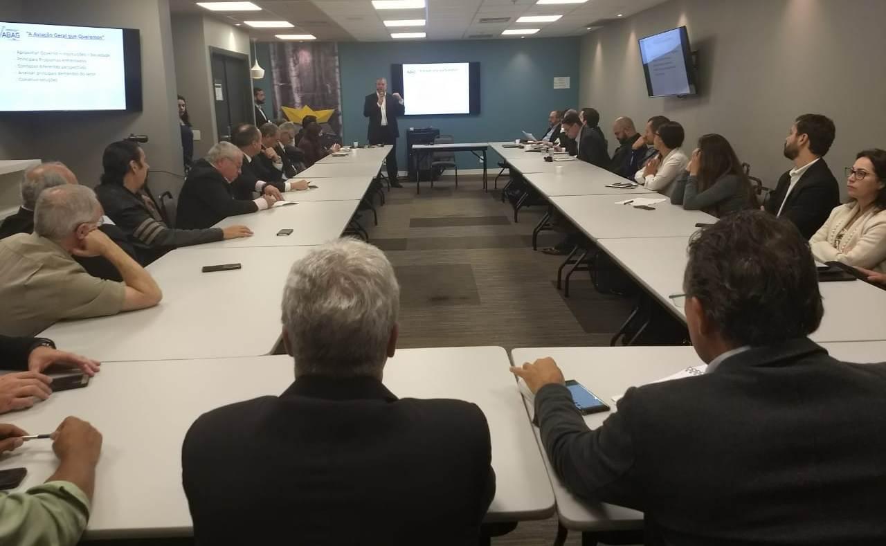 Associações se reúnem para debater a aviação geral para os próximos 20 anos