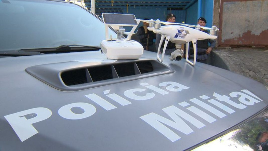 Polícia Militar passa a usar drones em operações (Foto: Carlos Palito / TV Gazeta)