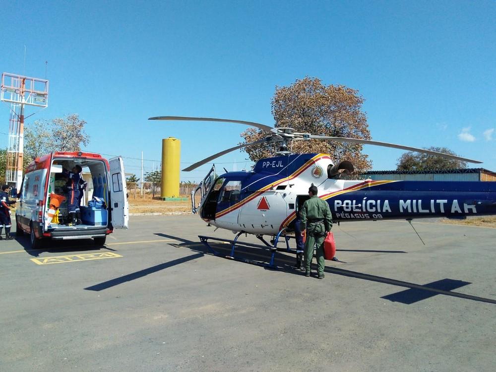 Previsão de decolagem da aeronave para que faça percurso entre Januária e Montes Claros é de 13h45m deste domingo (12) (Foto: Polícia Militar/Divulgação )