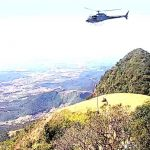 Americano cai de parapente em Jaraguá do Sul e é resgatado pelo helicóptero da PM