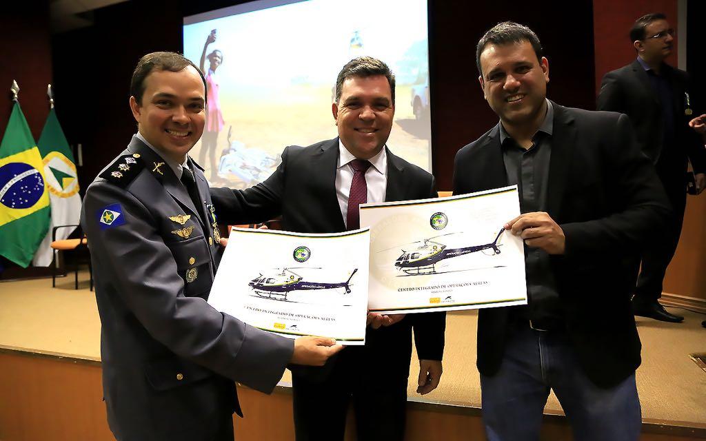 CIOPAer entrega medalhas Mérito Águia Uno em comemoração aos 20 anos de operações aéreas no MT