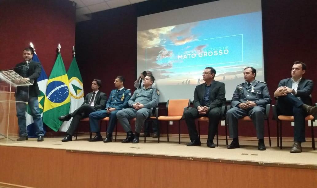 CIOPAer entrega medalhas Mérito Águia Uno em comemoração aos 20 anos de operações aéreas no MT.