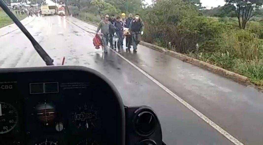helicoptero-dos-bombeiros-resgata-vitima-de-acidente-em-senador-canedo-1