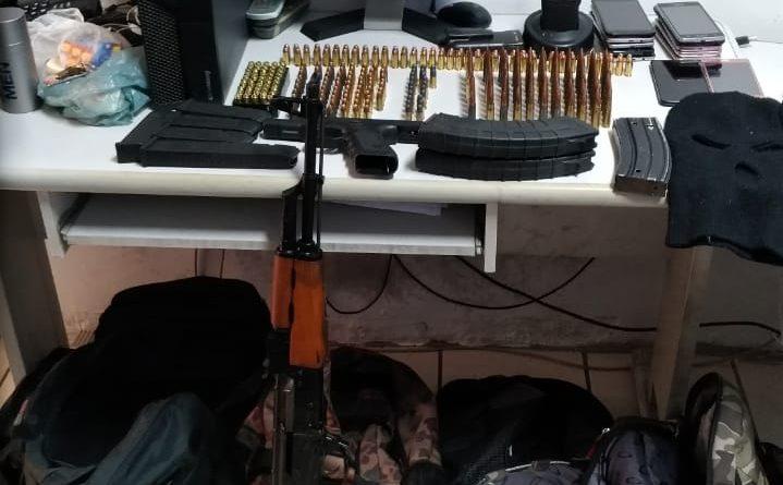 policiamento-maritimo-apreende-armamento-de-guerra-719x445