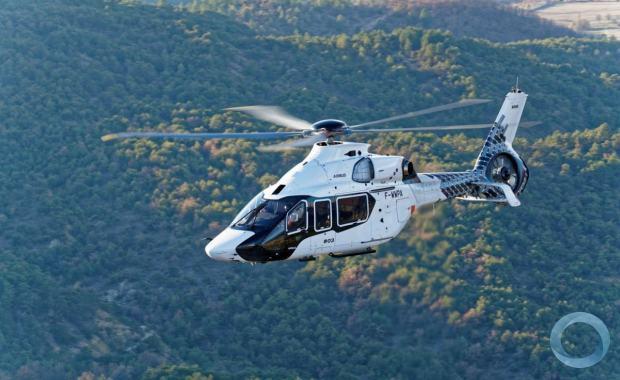 Airbus Helicopters garantiu garantiu 15 pedidos para a nova geração H160. Crédito: Thierry Rostang