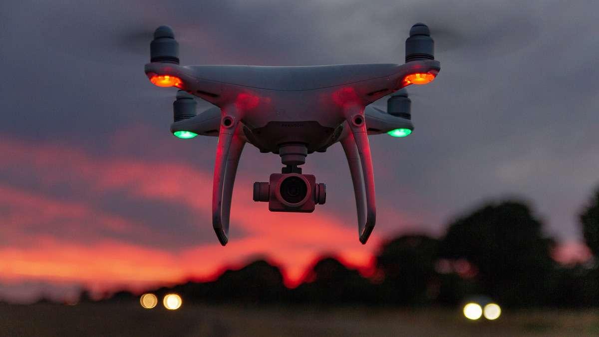 drone-3590739_1920