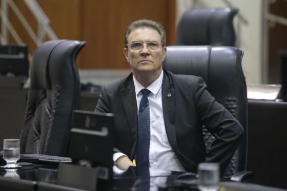 Para embasar e defender a indicação, o parlamentar destacou a implantação do CIOPAer na cidade de Sorriso (400 Km da capital), que atende e auxilia no combate ao crime em 21 municípios num raio de 200 Km do hangar.