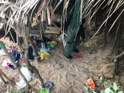Objetos encontrados no esconderijo dos suspeitos em Rio do Fogo-RN. Foto: Divulgação/Secretaria de Segurança Pública