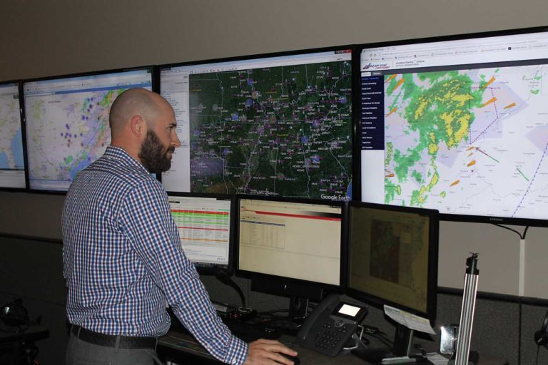Tim Cincotta era o especialista em controle de operações, e quem estava se comunicando com Coupel durante o evento. Foto da Air Evac
