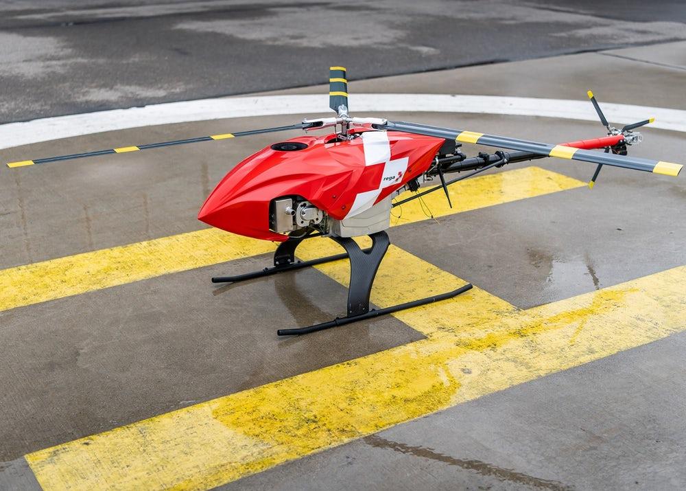 O drone desenvolvido pela Rega pode detectar sinais de pessoas desaparecidas e alertar equipes de resgate no solo (Crédito: Rega)