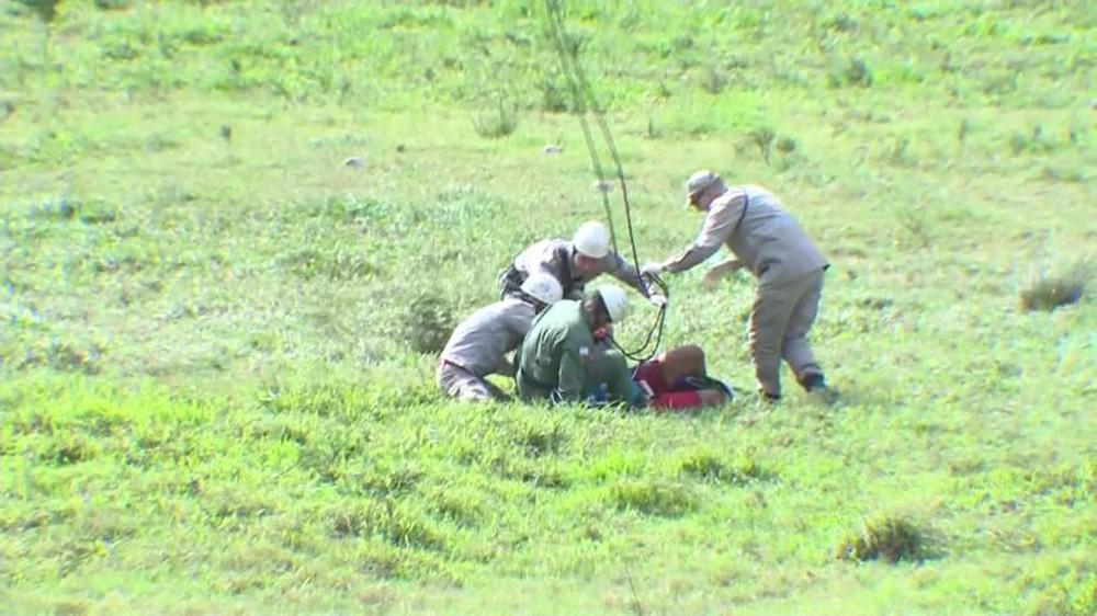 Atleta recebeu primeiros socorros do Corpo de Bombeiros — Foto: Reprodução/ TV Gazeta