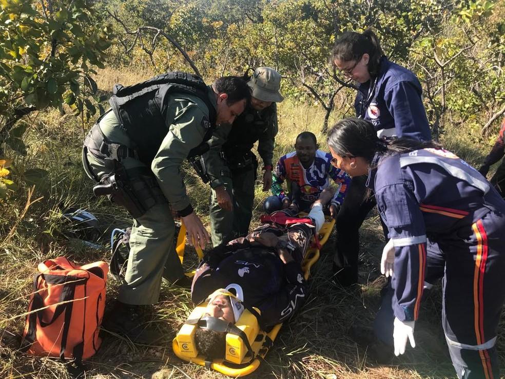 Resgate foi feito com helicóptero do Ciopaer — Foto: Ciopaer/Divulgação