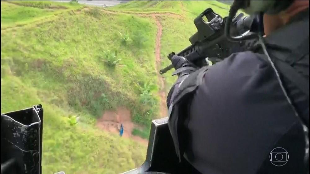 Grupo de trabalho da polícia irá definir regras de uso de blindados, helicópteros e snipers — Foto: Reprodução/TV Globo