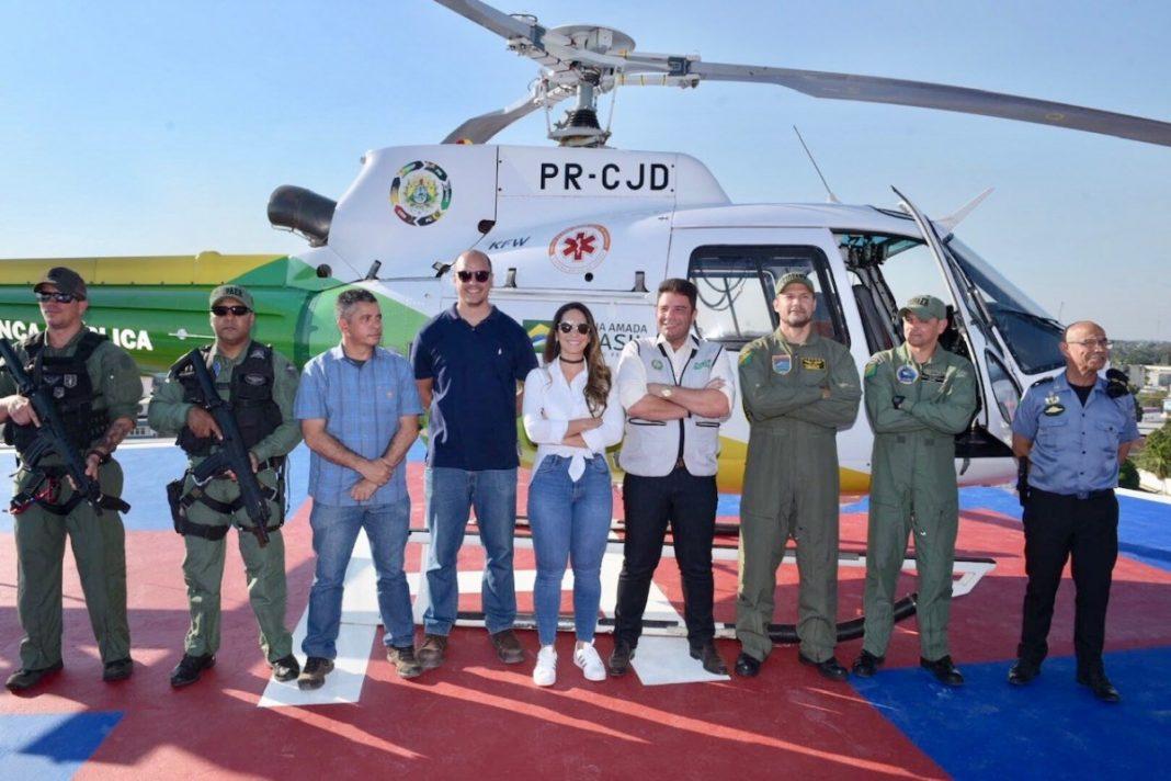 Equipe do Ciopaer com o governador Gladson Cameli, a primeira-dama, Ana Paula Cameli e o chefe do Gabinete Militar, coronel Amarildo Camargo (Foto: Diego Gurgel/Secom)