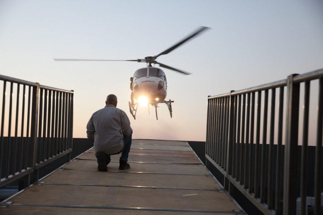 Parceria entre o helicóptero do governo e Samu já contabiliza cinco missões de transporte de pacientes em estado grave. Foto Odair Leal/Secom