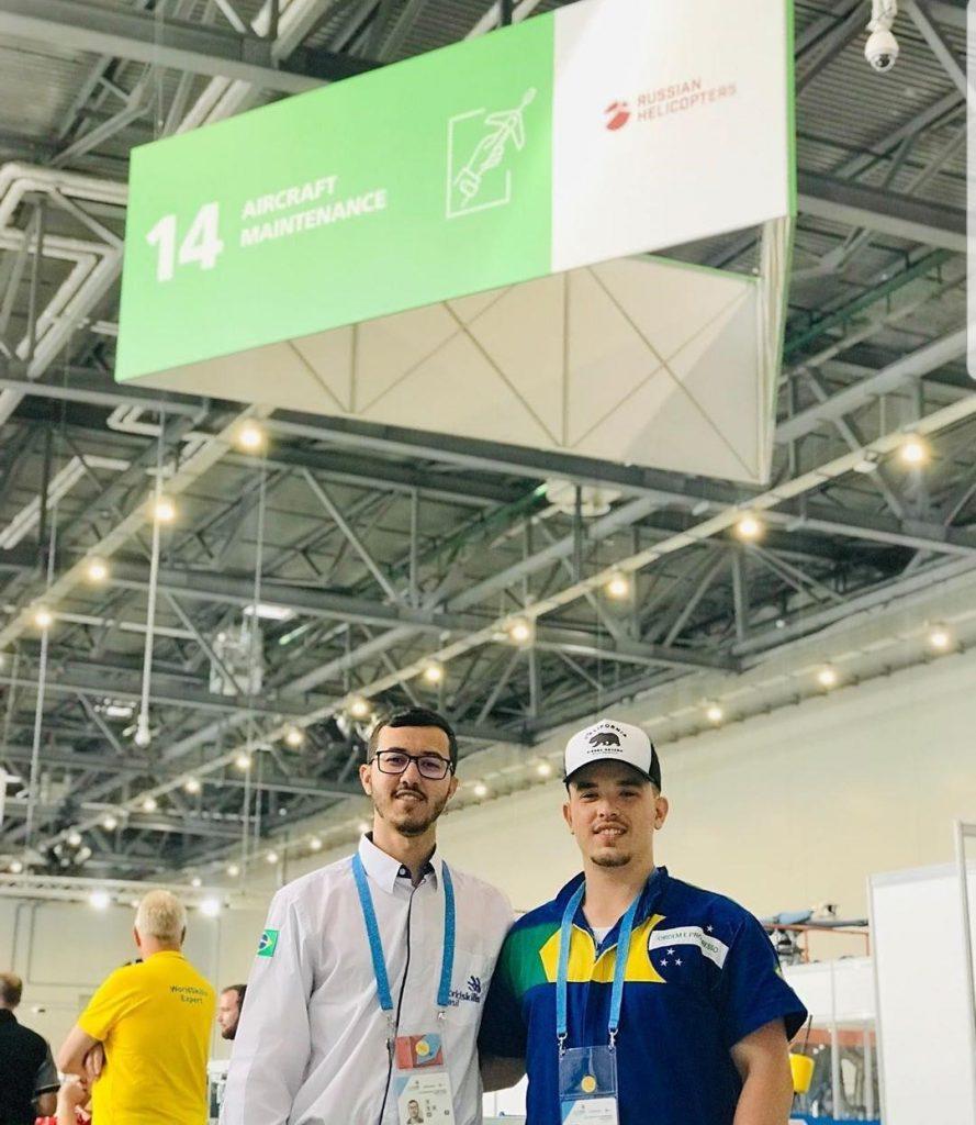 Rodrigo Campos (esq.) e Gabriel Hoffmann (dir.) em Kazan
