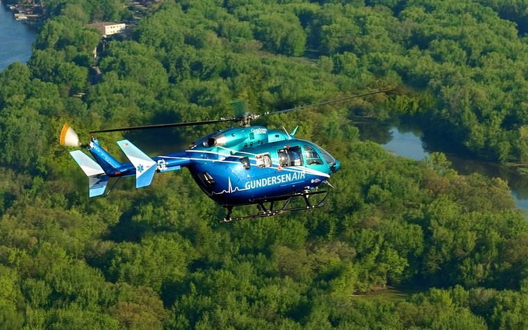 EC145e é a versão mais básica da família e ainda utiliza o rotor convencional