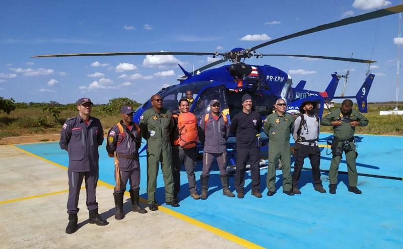 Equipe que atuou no resgate dos visitantes | FOTO: Divulgação |