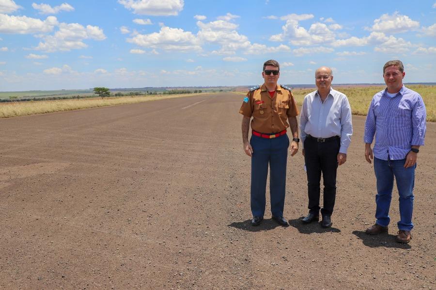 Visita no aeródromo teve como objetivo reconhecer a pista de pouso e decolagem visando a operacionalização do serviço de resgate aéreo - Imagem: Cedida pelo Corpo de Bombeiros