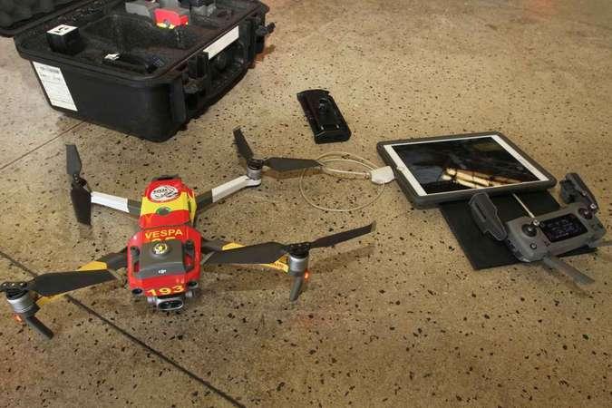 Compacto e econômico, o drone reduz o custo de operações feitas anteriormente com helicópteros (foto: Jair Amaral/EM/D.A Press)