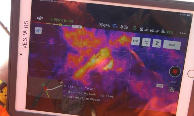 O novo equipamento usa câmeras de calor, que facilitam a localização de pessoas em áreas de mata (foto: Jair Amaral/EM/D.A Press)