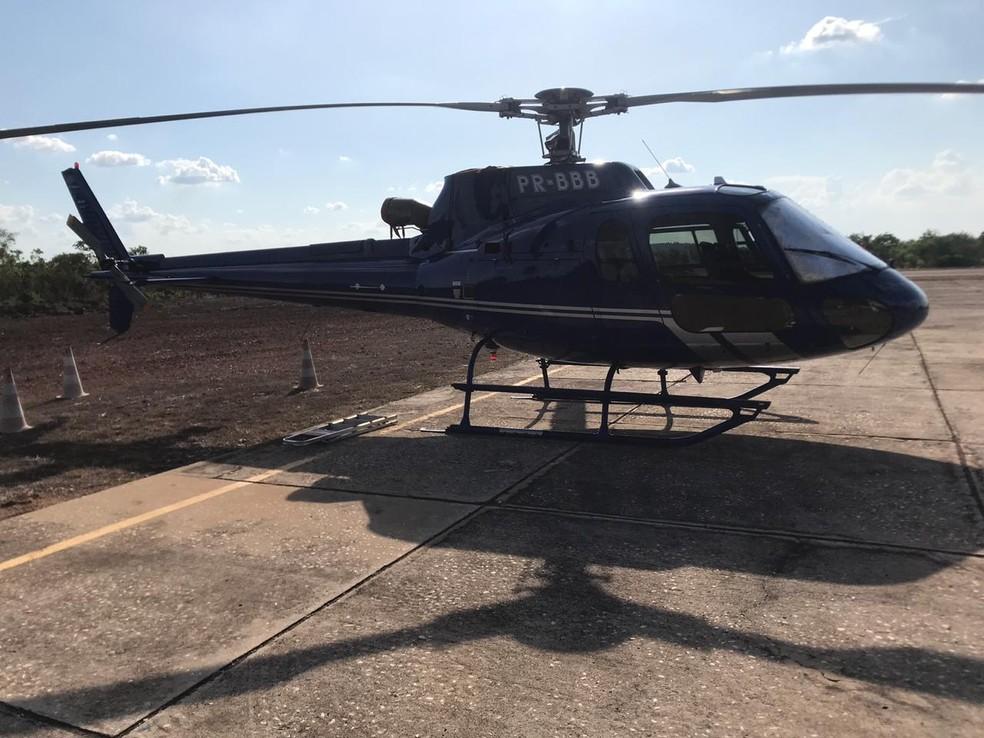 Helicóptero utilizado com os suspeitos de tráfico de drogas no Piauí — Foto: Divugação/Polícia Civil