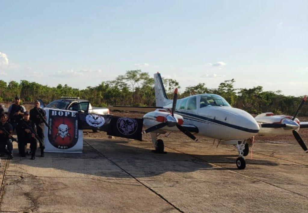 avião2-1024x708