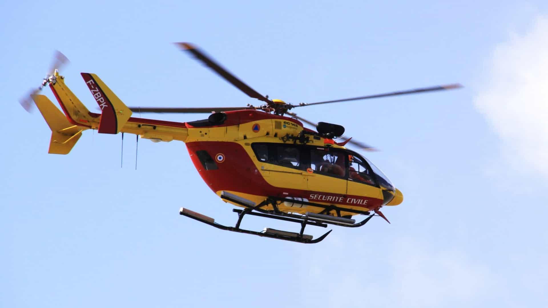 A equipe de resgate estava em um helicóptero EC145 foto: Wikimedia Commons