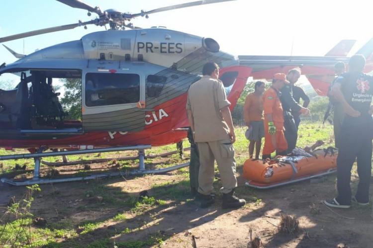 O homem foi levado para o Hospital Regional do Cariri pela Ciopaer (Foto: Corpo de Bombeiros do Ceará)