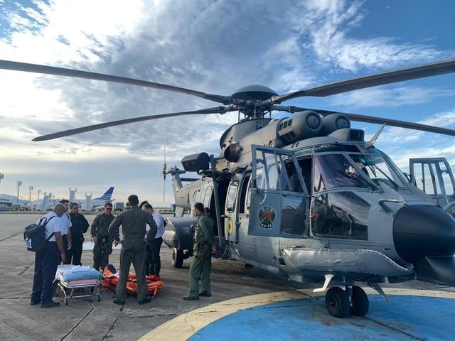 Turista alemã foi resgatada em alto-mar por equipe da Marinha do Brasil — Foto: Divulgação