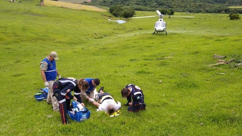 Piloto tem 28 anos e está internado no hospital Santa Casa de Maringá - Foto: Samu Aéreo