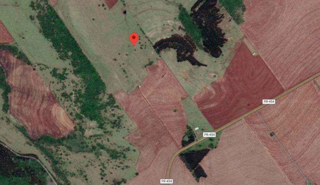 Ponto exato da queda, segundo o Samu Aéreo. O local fica às margens da PR-454, estrada de terra que liga Maringá a Astorga, perto do mosteiro dos Arautos do Evangelho - Foto: Reprodução Google Maps