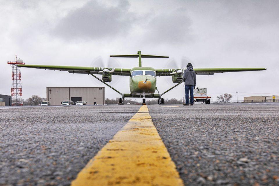 O bimotor turboélice SkyCourier aciona os motores pela primeira vez : sem concorrentes no mercado(textron )